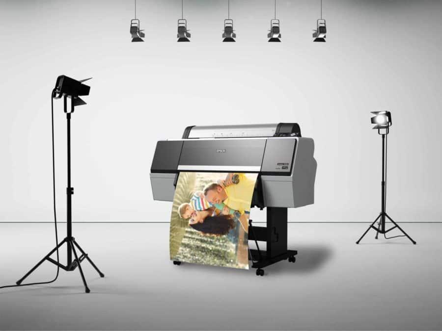 הדפסת פוסטר ב-8 צבעים